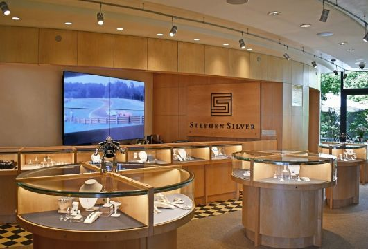 De Bethune finds a home in the Silicon Valley